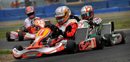 レーシングカートの走行イメージ